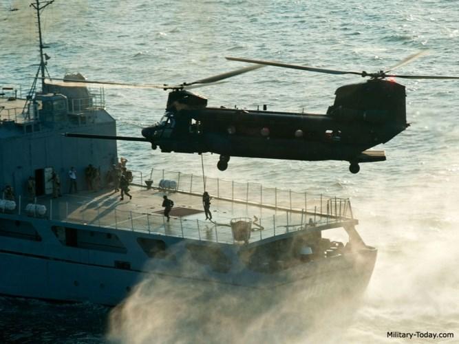 Tốc độ di chuyển tối đa của trực thăng MH-47 là 238 km/h. Ảnh: Military-Today.