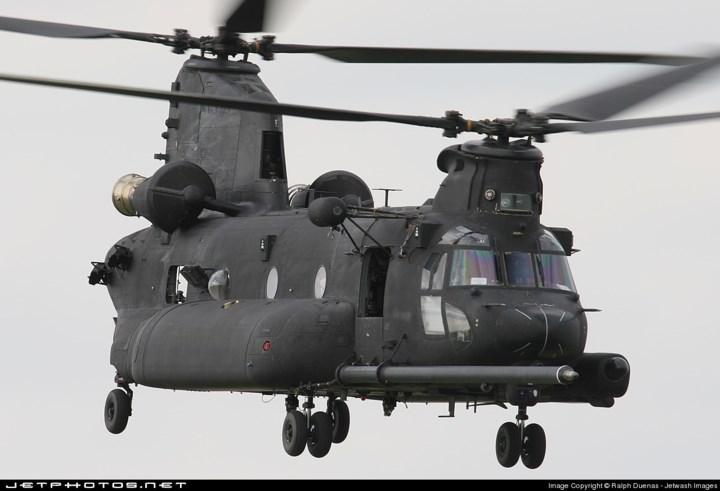 MH-47G còn có thể mang theo tên lửa không đối không AIM-92 Stinger. Ảnh: Jetphotos.