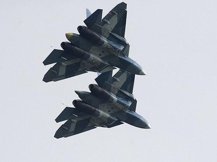 Sức mạnh từ sự kết hợp giữa các biên đội Su-57 và Su-34 của Không quân Nga rõ ràng là vô cùng đáng sợ, do vậy đòi hỏi lực lượng phòng không Ukraine phải có phương tiện đủ sức chế áp.
