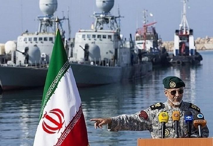 Mỹ triển khai nhóm tác chiến tàu sân bay tiến sát bờ biển Iran - Ảnh 1