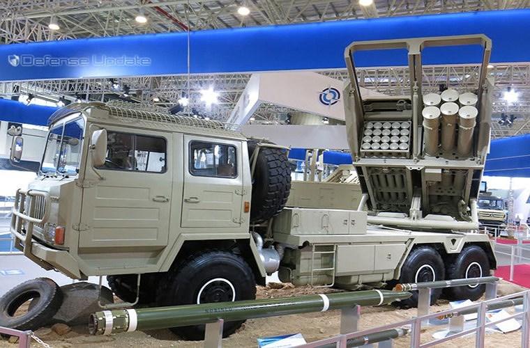 Tổ hợp pháo phản lực phóng loạt đa cỡ nòng SR-5 được Tập đoàn Công nghiệp quốc phòng Phương Bắc - NORINCO của Trung Quốc giới thiệu lần đầu tại triển lãm IDEX-2013.