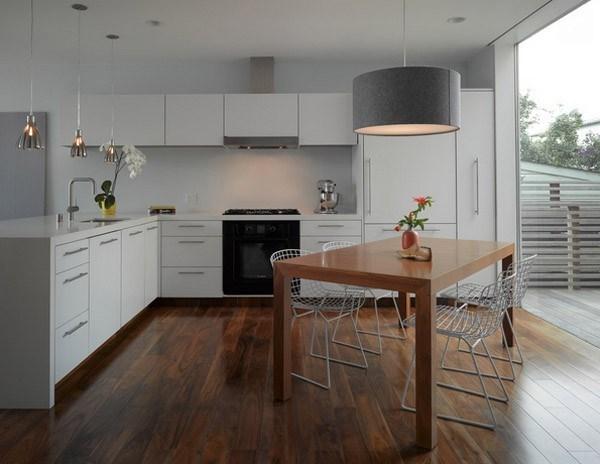 Những mẫu thiết kế nội thất nhà bếp đơn giản, hài hòa sẽ mang đến một không gian thoáng mát, giúp người nội trợ thoải mái trong việc nấu những món ăn ngon cho gia đình.
