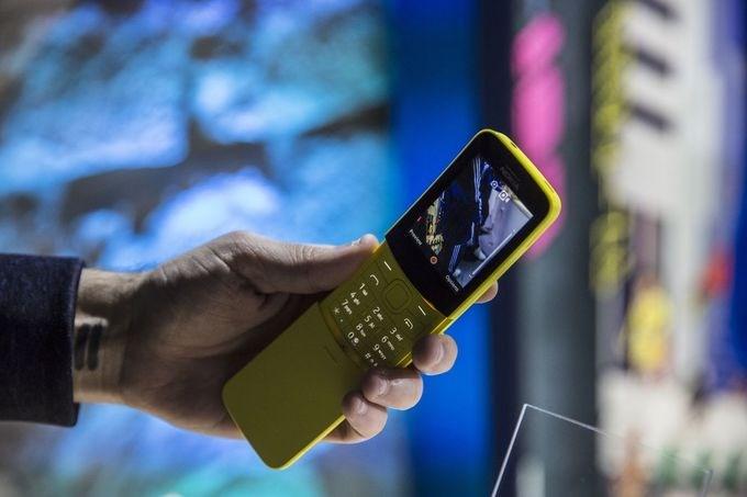 Mẫu điện thoại của Nokia được làm mới, tích hợp thêm camera, 2 sim 2 sóng và đặc biệt là có khả năng phát Wi-Fi từ mạng 4G, thích hợp để dùng điện thoại phụ và cục phát Wi-Fi.