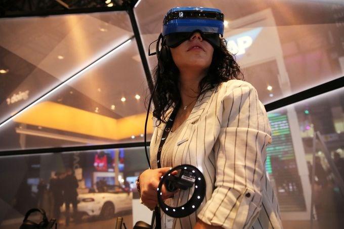 Thiết bị đeo, kính thực tế ảo cũng xuất hiện tại MWC trong nhiều năm.