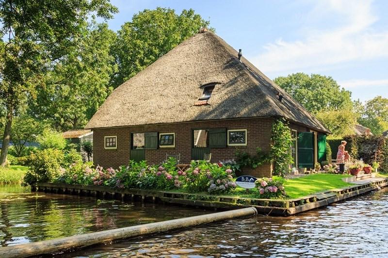 Sự giản dị của một căn nhà tại Giethoorn