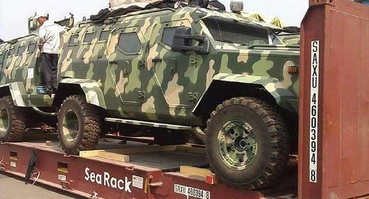 Về vũ khí trang bị, xe bọc thép IAG 4x4 Guardian Tactical được trang bị tháp súng có khả năng xoay 360 độ và có thể lắp thêm các loại vũ khí khác như tên lửa hay súng phóng lựu.