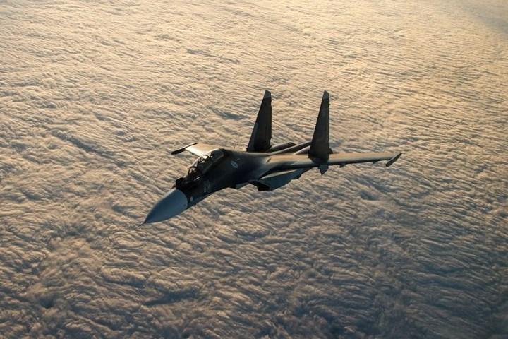Chiến đấu cơ đa nhiệm Su-30SM bay ở vùng Yeisk.