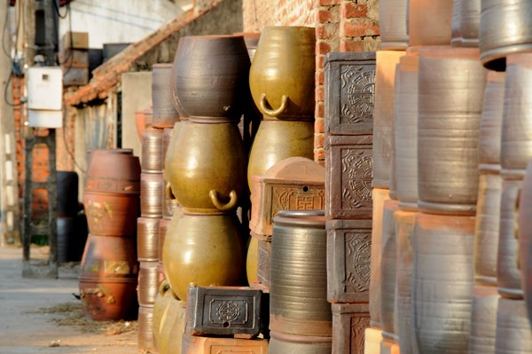 Nét truyền thống hoà quyện cùng với yếu tố hiện đại đã tạo nên làng gốm Phù Lãng ngày nay. Một ngôi làng với những con người tâm huyết, tận tuỵ với nghề, cuộc sống thanh bình, đậm chất văn hoá truyền thống.