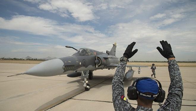 Trong các cuộc không kích nhằm vào các mục tiêu trong lãnh thổ Syria từ trước tới nay, ngoài máy bay không người lái nội địa thì Không quân Israel đều sử dụng chiến đấu cơ do Mỹ sản xuất.