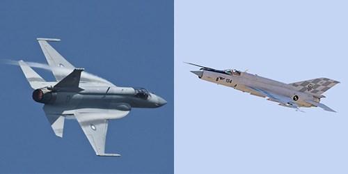 Tiêm kích FC-1/JF-17 (trái) và MiG-21. Ảnh: Popular Mechanics.