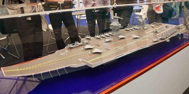 Nhưng thật bất ngờ sau những lời trầm trồ ban đầu đã xuất hiện rất nhiều ý kiến cho rằng mẫu tàu sân bay hạng nhẹ kiêm tàu đổ bộ tấn công này không hợp lý khi gom các chức năng trên vào trong một thiết kế.