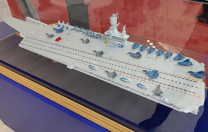 Chiếc tàu sân bay hạng nhẹ của Viện nghiên cứu Krylov có lượng giãn nước tiêu chuẩn 37.000 tấn và lên tới 44.000 tấn khi đầy tải, chiều dài 304 m, chiều rộng 78 m, mớn nước 8,5 m; nhỏ hơn đáng kể so với chiếc Đô đốc Kuznetsov.