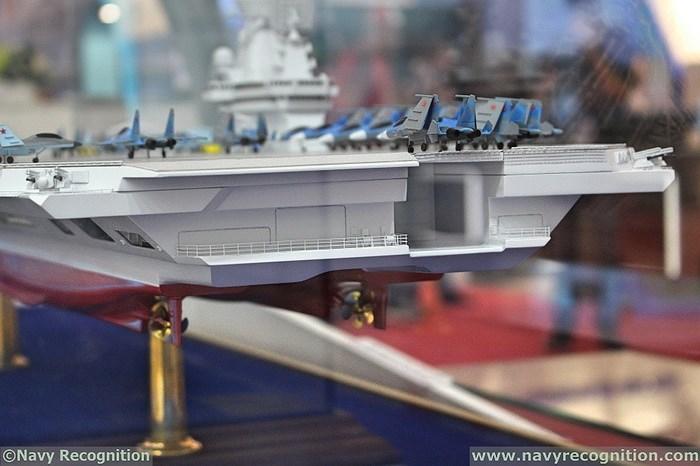 Ý tưởng kết hợp cả tàu sân bay lẫn tàu đổ bộ tấn công trong một thiết kế duy nhất được kỳ vọng sẽ giúp Hải quân Nga tiết kiệm ngân sách khi không phải đóng hai lớp tàu riêng biệt.