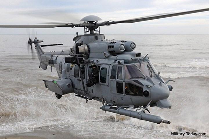 EC-725 Caracal được phát triển đặc biệt để đáp ứng yêu cầu của Không quân Pháp cho một chiếc trực thăng chuyên dụng, phục vụ các hoạt động tìm kiếm và cứu nạn. Ảnh: Military-Today.