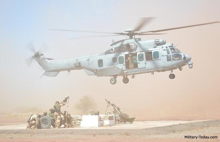 Trực thăng này có thể chở 28 lính hoặc 12 cáng thương. Ảnh: Military-Today.