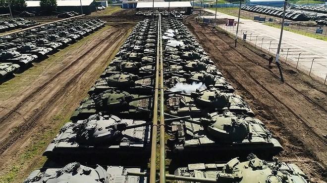 Những xe tăng chiến đấu chủ lực nằm tại Nhà máy Kharkiv hầu hết đều đã trong tình trạng kỹ thuật xuống cấp nặng nề, trái ngược hẳn với các xe tăng đang được Nga lưu trữ tại