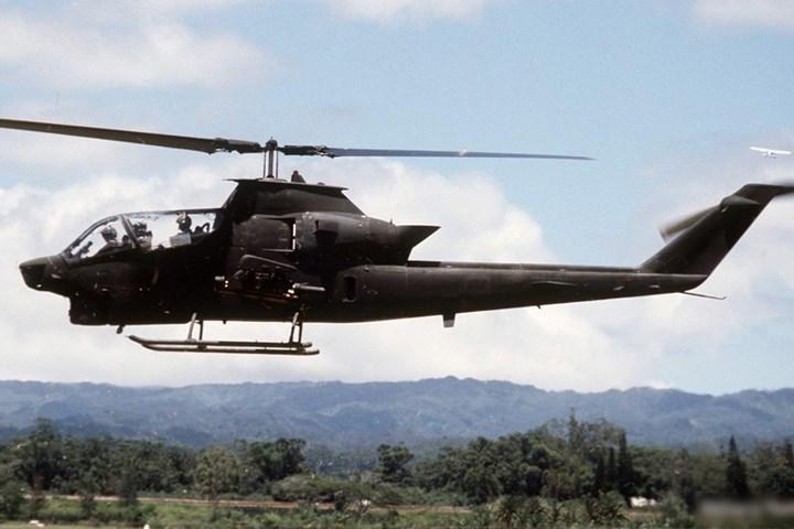 Chiếc Bell AH-1 nằm trong các loại máy bay trực thăng tấn công đầu tiên trên thế giới.